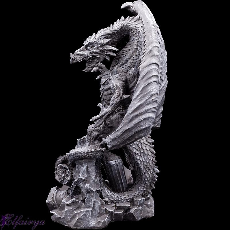 Battle dragon on destroyed pillars